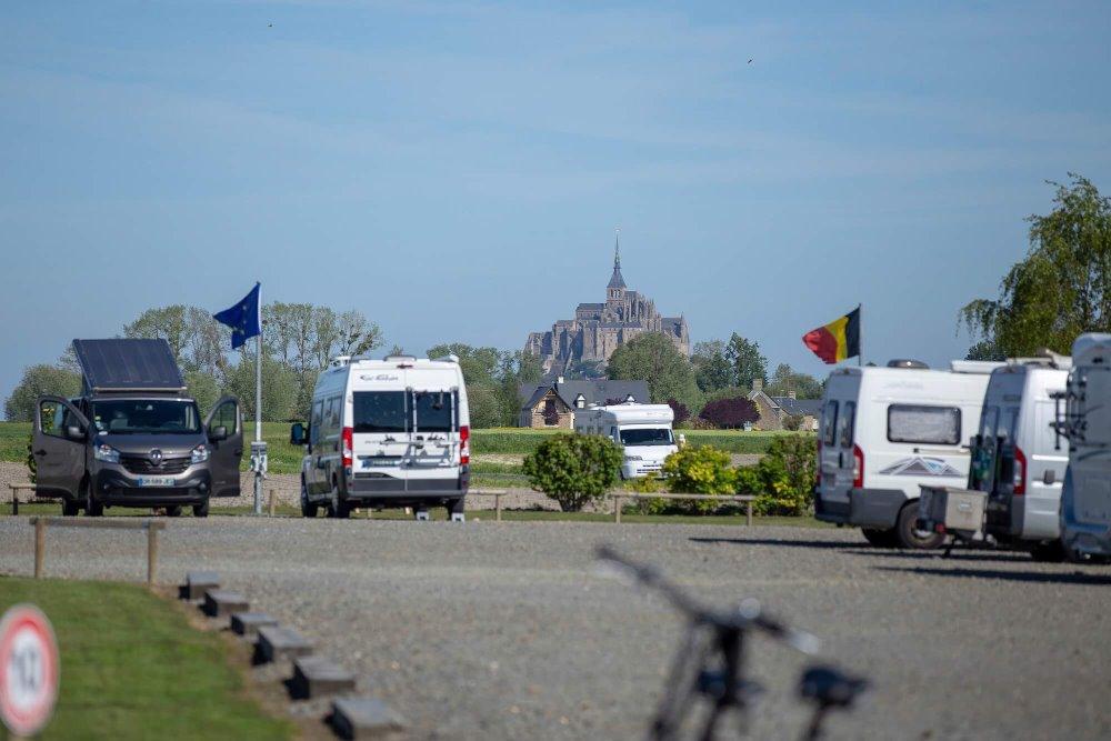Aire camping-car à Ardevon (50170) - Photo 1